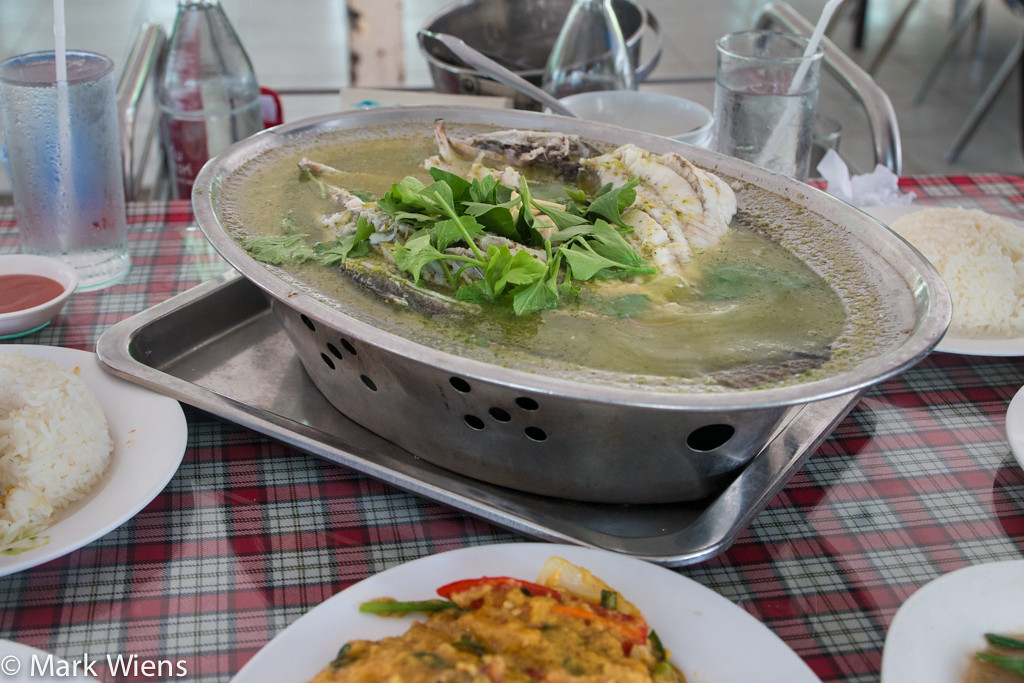 samut prakan market 80 X2 Sompong Seafood Restaurant (ร้านสมพงศ์) in Samut Prakan