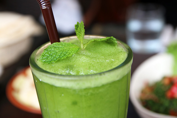Mint and lime shake