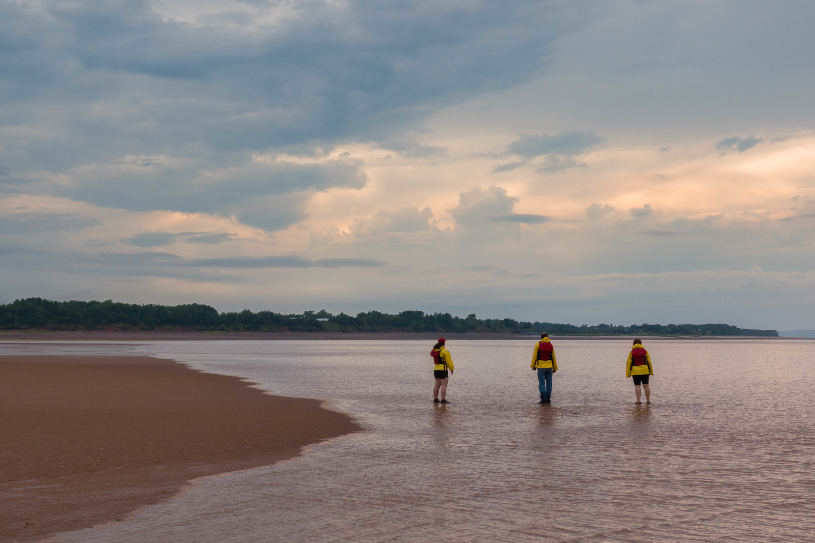 tidal bore rafting-sand bar