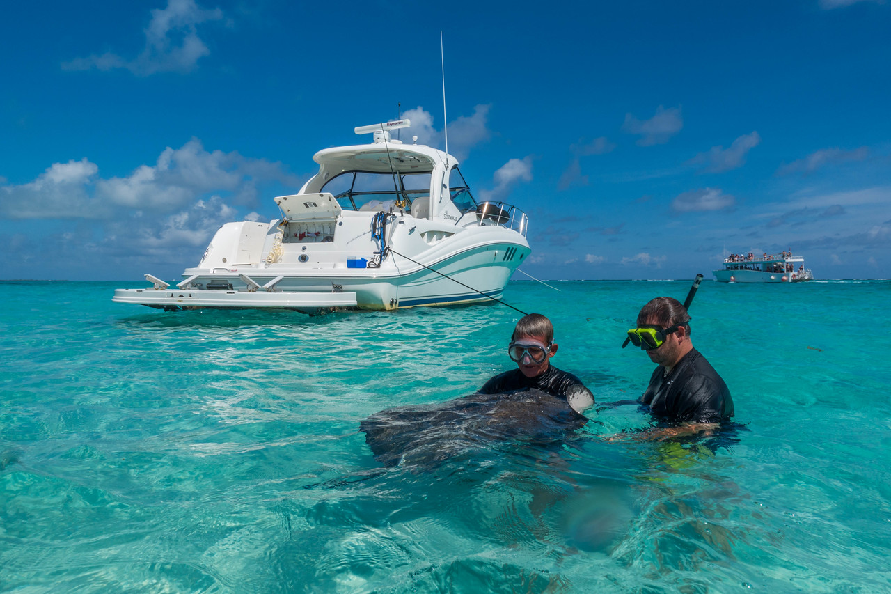 stingray city luxury charters