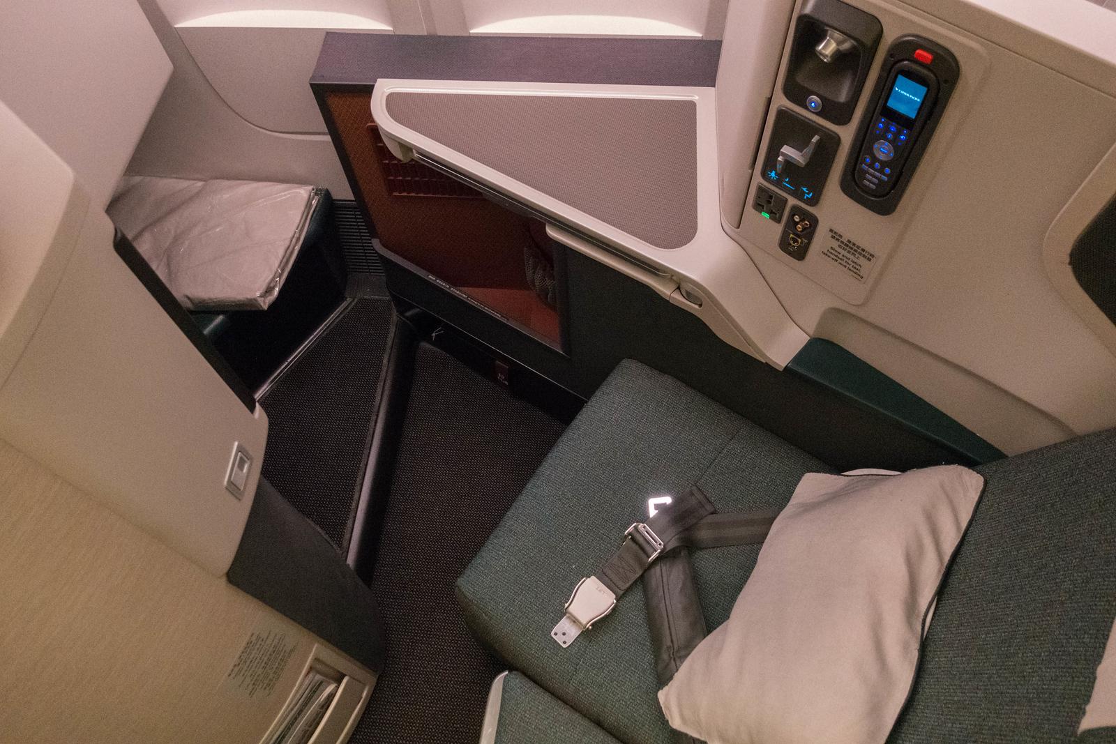 cathay pacific premium economy pod