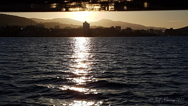Hobart skyline: Boom reflections