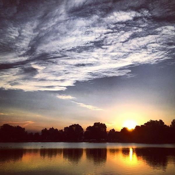 Sunset from Washington Park in Denver, Colorado (Photo: Kim Olson)