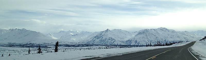 Beautiful Alaskan mountains along the Glenn Highway. (Photo: Kim Olson)