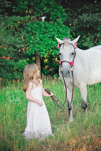 2017 July Unicorn Photos Madeline with Friends-2750