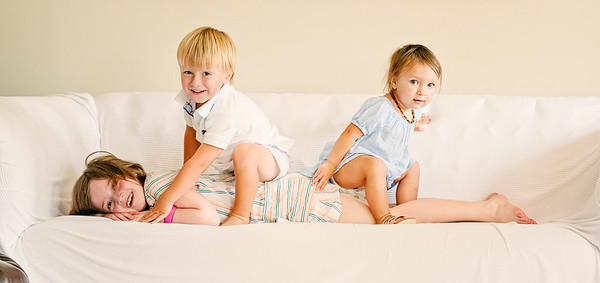 2020 August Little Cousins Madeline, Josie, Walter-5454 sun