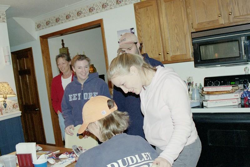 Mom Wendy,Will,Meg,Aimes.JPG