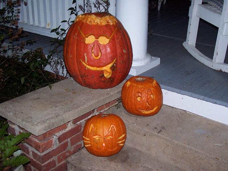 Halloween at 413 N. Main 2004 011.jpg