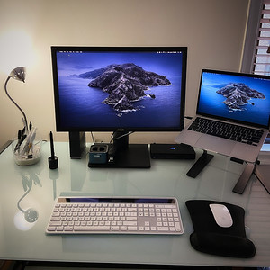 """My Computer Setup with My New 2020 13"""" Apple MacBook Pro"""