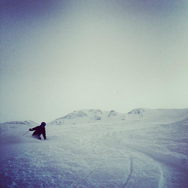 Kim skiing powder. (Photo: Tristan Olson)