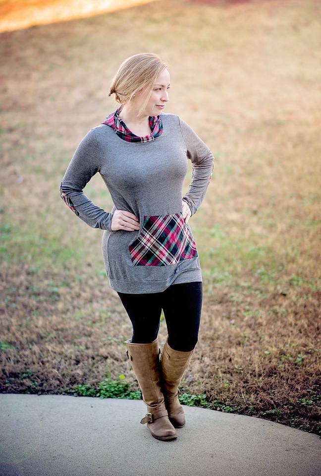 Women's Long Sleeve Plaid Hooded Tunic Sweatshirt with Kangaroo Pocket