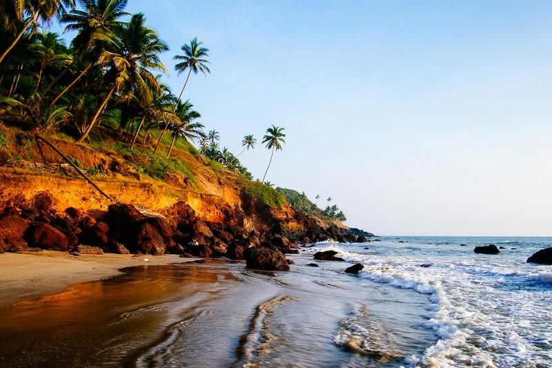 The south end of Bogmalo Beach, Goa, India. Fuji X-Pro 1, 18mm. VSCO 04 - Fuji Fortia SP