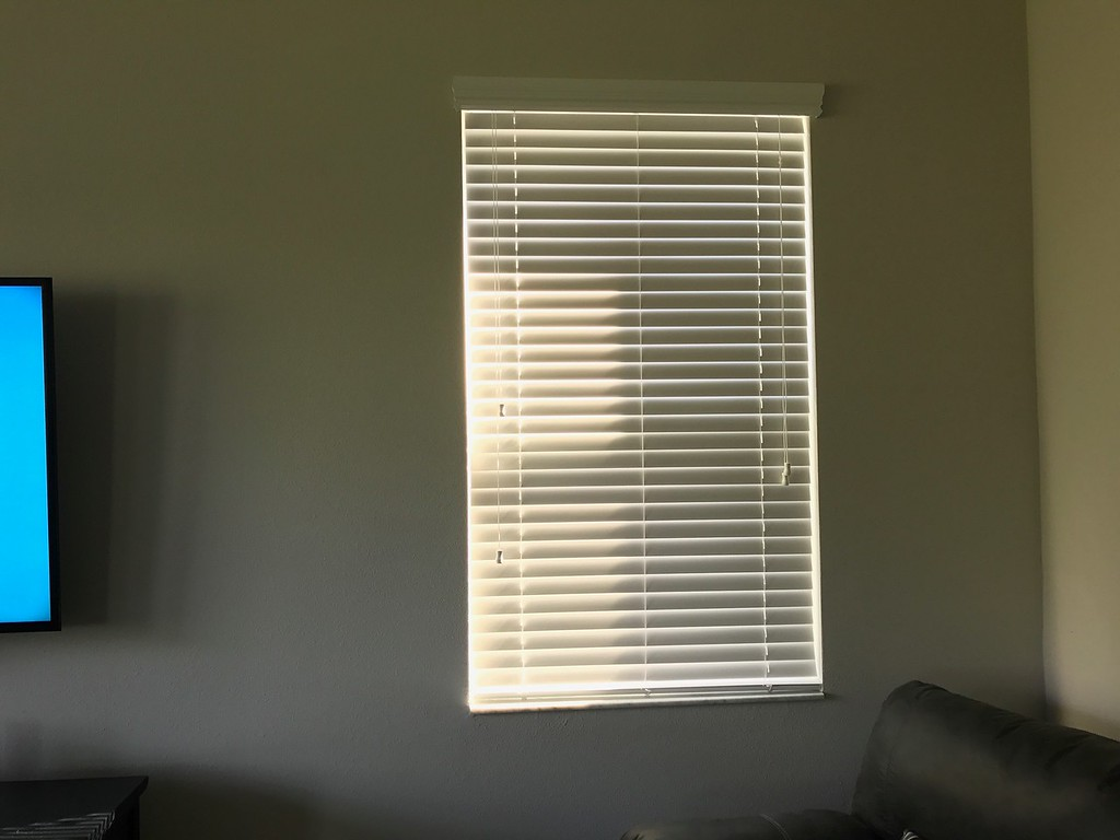 Before Picture of Living Room Blinds