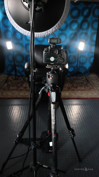 Click on the image to see the complete lighting set up.