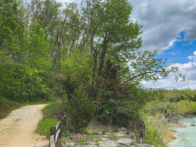 Hiking on the Rim Trail