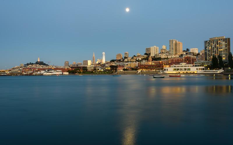 Mooning SF