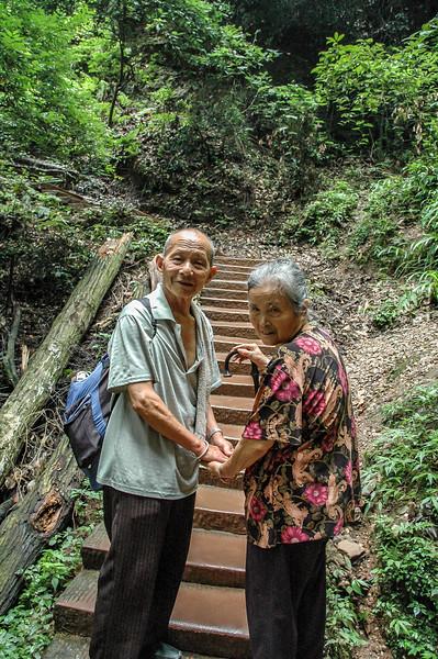 Climbing mount Qingcheng