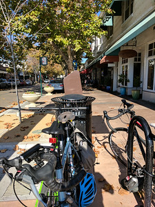Plenty of bike parking in Sunnyvale outside Bean Scene cafe.
