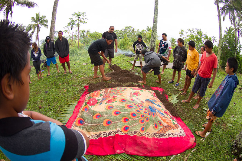 When you live on a small island like this people are constantly improvising, using a blanket to cover the umu.