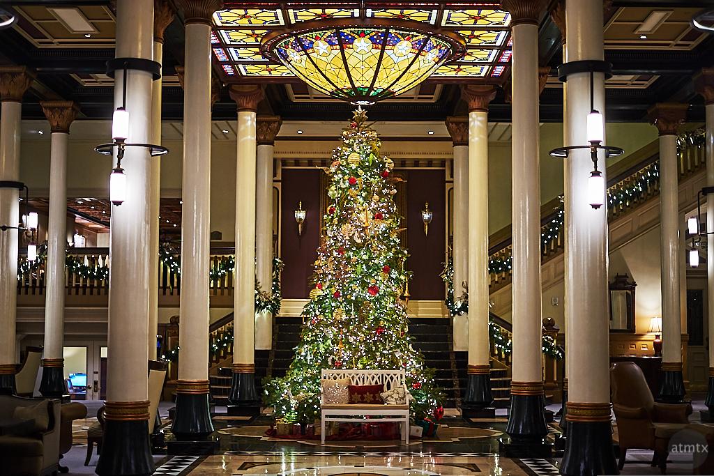 Driskill Christmas Tree 2019 - Austin, Texas (Fujifilm X-T10 v2)