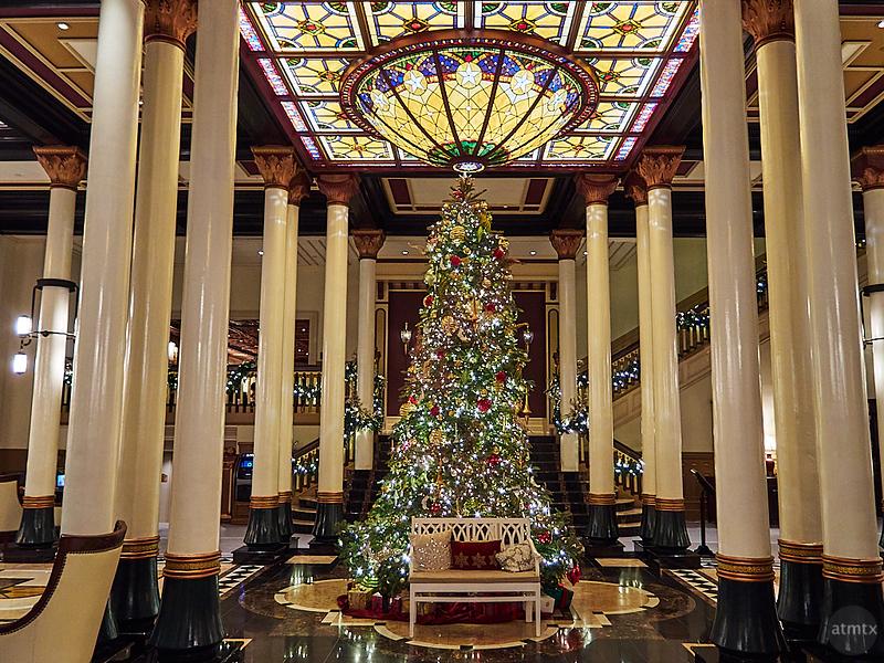 Driskill Christmas Tree 2019 - Austin, Texas (Olympus XZ-1)