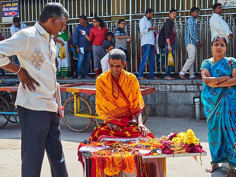 Market Color, Chamundeshwari Temple - Mysore, India