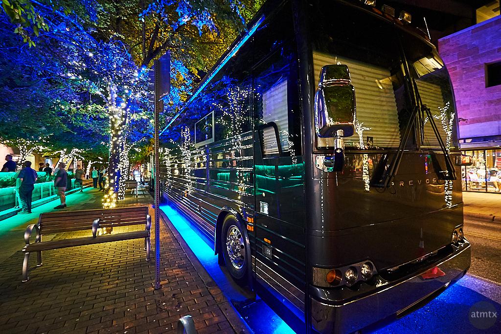 Kiefer Sutherland's Tour Bus - Austin, Texas