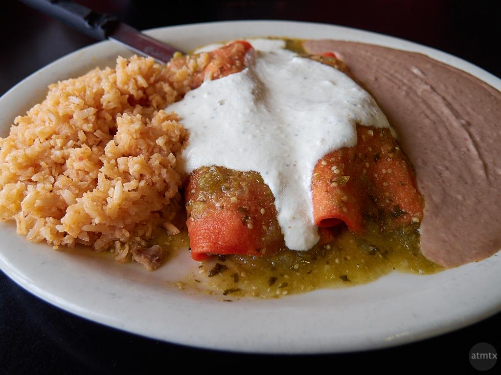Enchiladas, El Mercado - Austin, Texas (Olympus XZ-1)