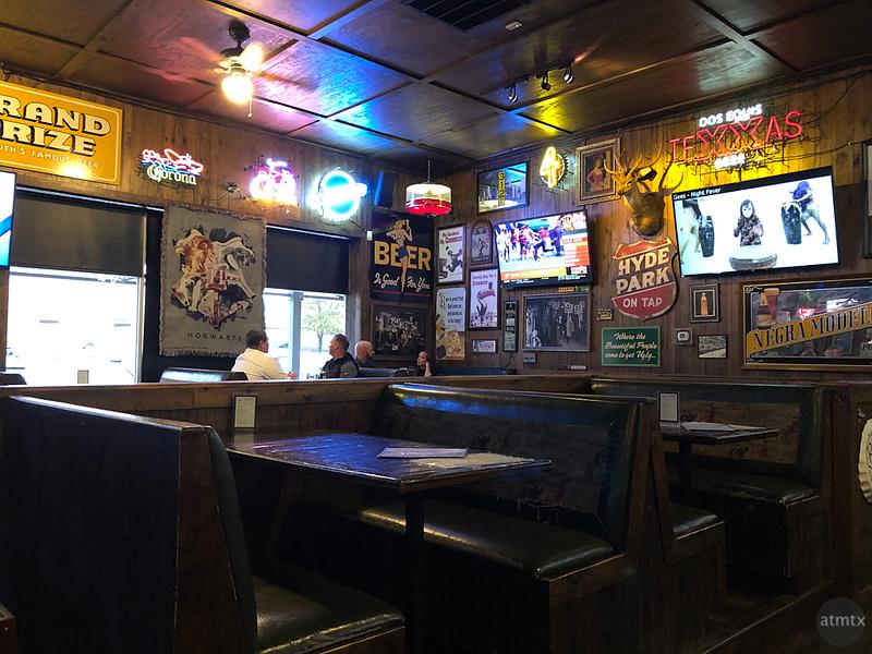 Interior, Little Woodrow's - Austin, Texas (iPhone 8 Plus)