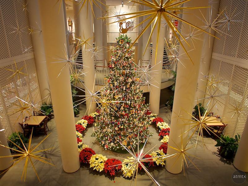 Christmas Tree, Rockefeller Folk Art Museum - Williamsburg, Virginia