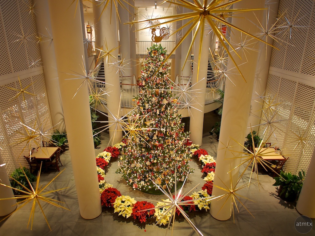 Christmas Tree, Rockefeller Folk Art Museum - Williamsburg, Virginia