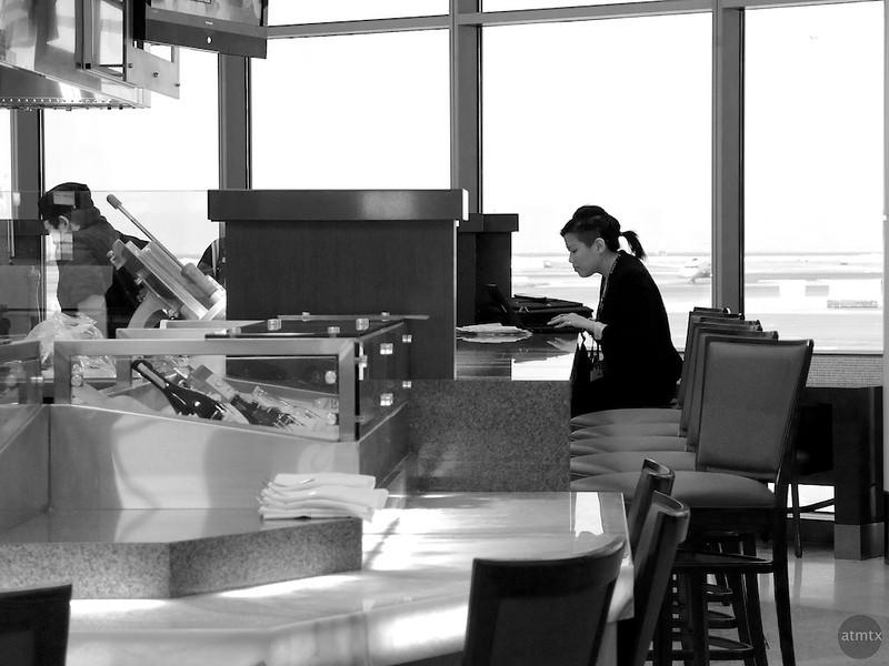 Dining Alone, SFO - San Francisco, California