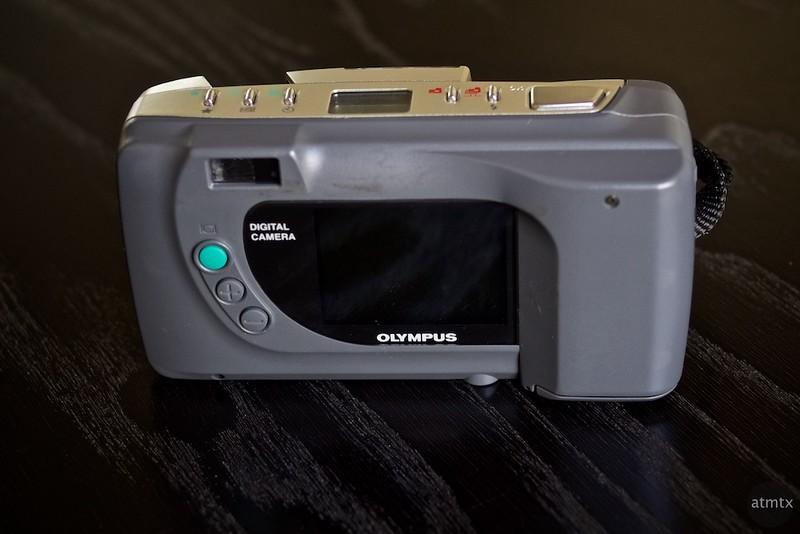 Olympus D-320L