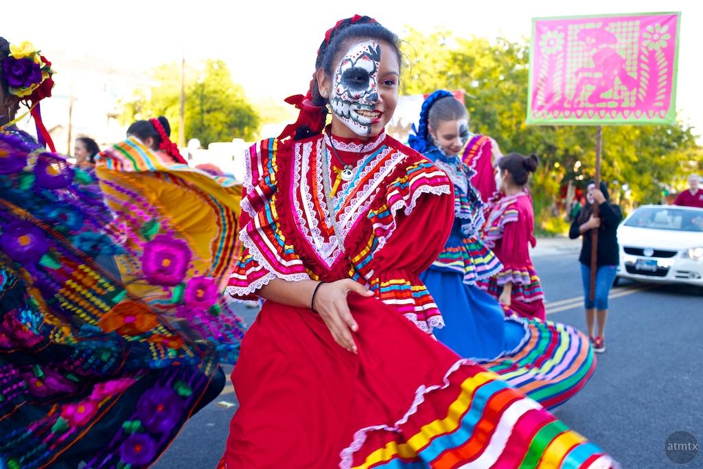 dia de los muertos essay photo essay dia de los muertos in oaxaca matador network california historical society blogger day