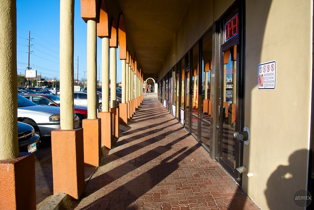 Low End Colonnade, Strip Mall - Austin, Texas
