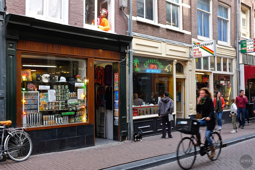 The Alien and Coffee Shop - Amsterdam, Netherlands