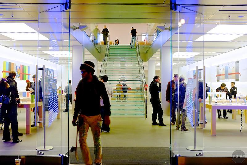 Just before closing, Apple Store - San Francisco, California