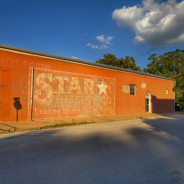 Faded Star - Downtown, Smithville, Texas
