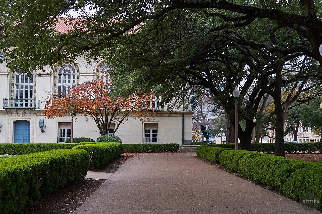 Details, University of Texas - Austin, Texas