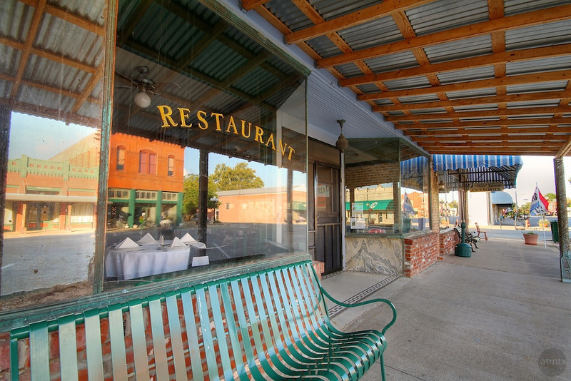 Restaurant - Downtown, Smithville, Texas