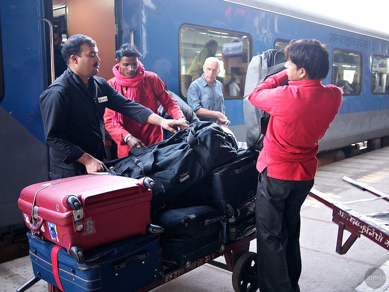 Unloading #2, Agra Cantt Station - Agra, India