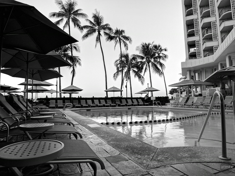 Pool, Moana Surfrider - Honolulu, Hawaii