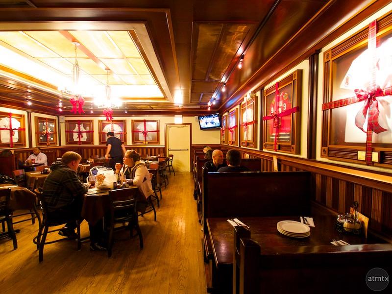 Interior, Lou Malnati's - Chicago, Illinois