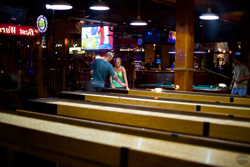 Bar Shuffleboard Instruction, Buffalo Billiards - Austin, Texas