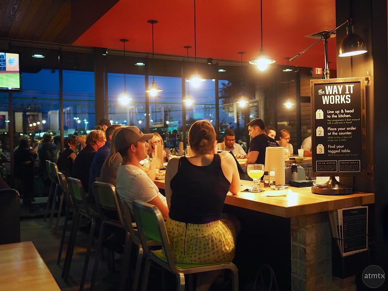 Bar Glow, Hopdoddy's - Austin, Texas