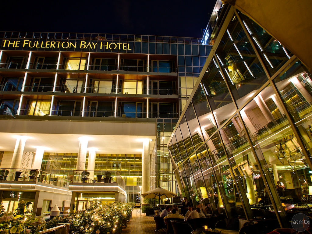Light and reflections at The Fullerton Bay Hotel - Singapore