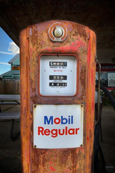 Antique Mobil Gas Pump - Smithville, Texas