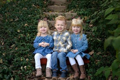 Best Cincinnati Family Photographer Sibling Fall Photo at Devou Park