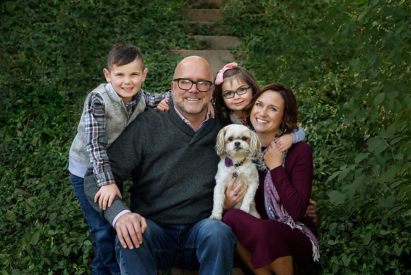 Best Cincinnati Family Photographer Fall Family Photo with Dog