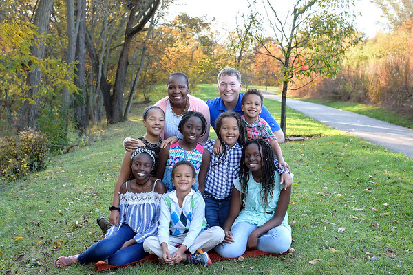 Large Family Photographer in Cincinnati Fall Photo Session
